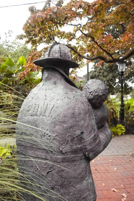 9-11 fireman statue snug harbor